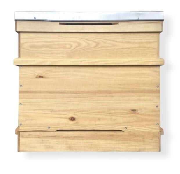 Latvian-design beehive